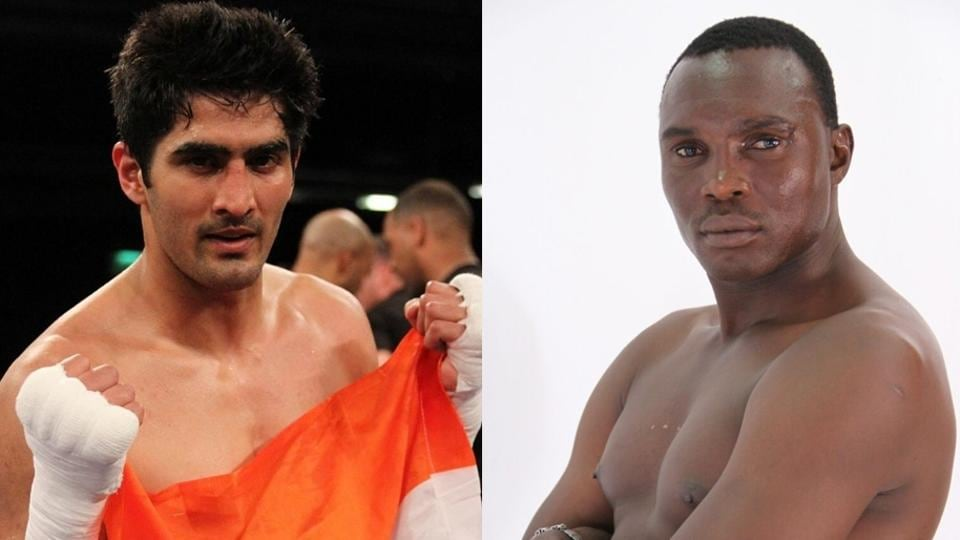 Tanzanian Francis Cheka  (right) will take on Vijender Singh in New Delhi on December 17
