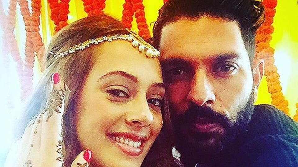 Yuvraj Singh is all set to start his new innings with Bollywood actress Hazel Keech.