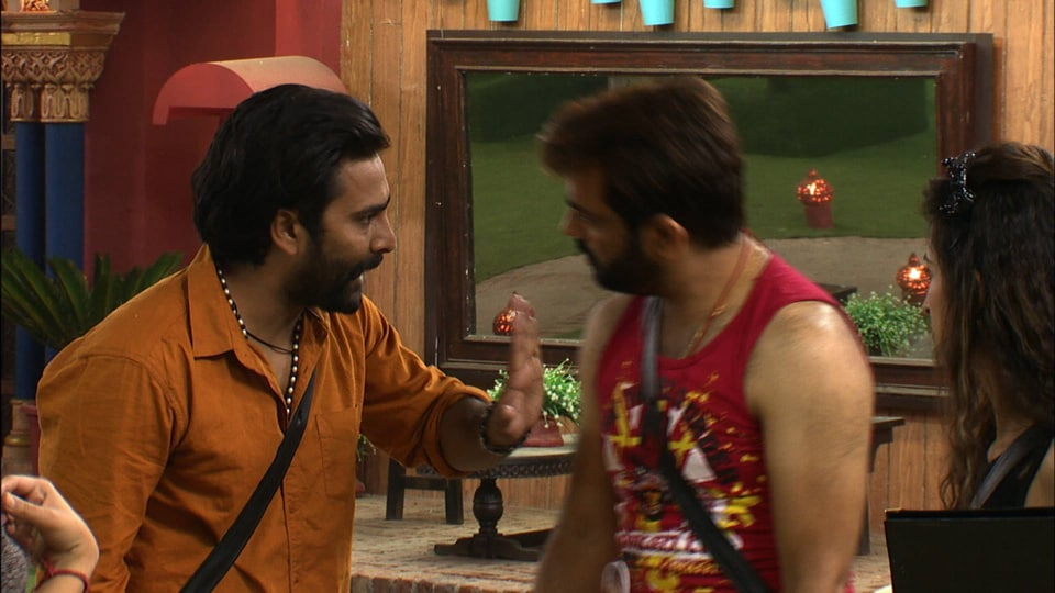 Manu and Manveer have shared a good equation since first day in Bigg Boss 10 house.