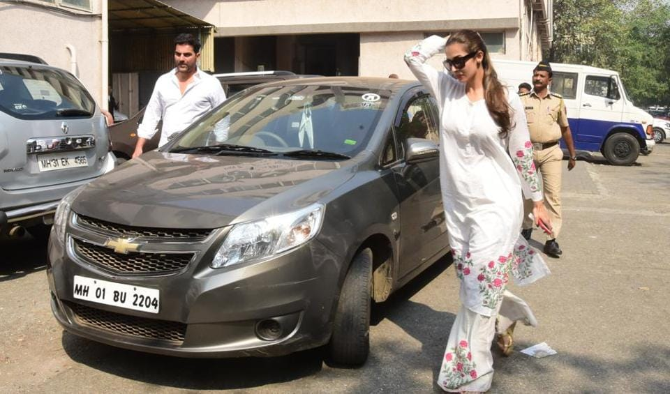 Actors Arbaaz Khan and Malaika Arora Khan appeared before the Family court in Bandra on Tuesday. (HT Photo)
