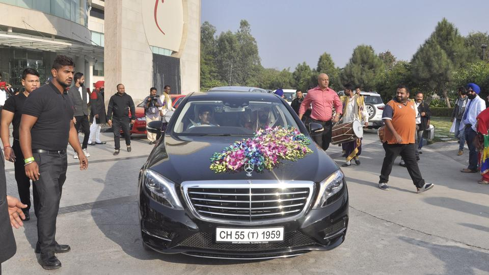 The platoon left the hotel for the ceremony... (Sant Arora/ HT Photo)