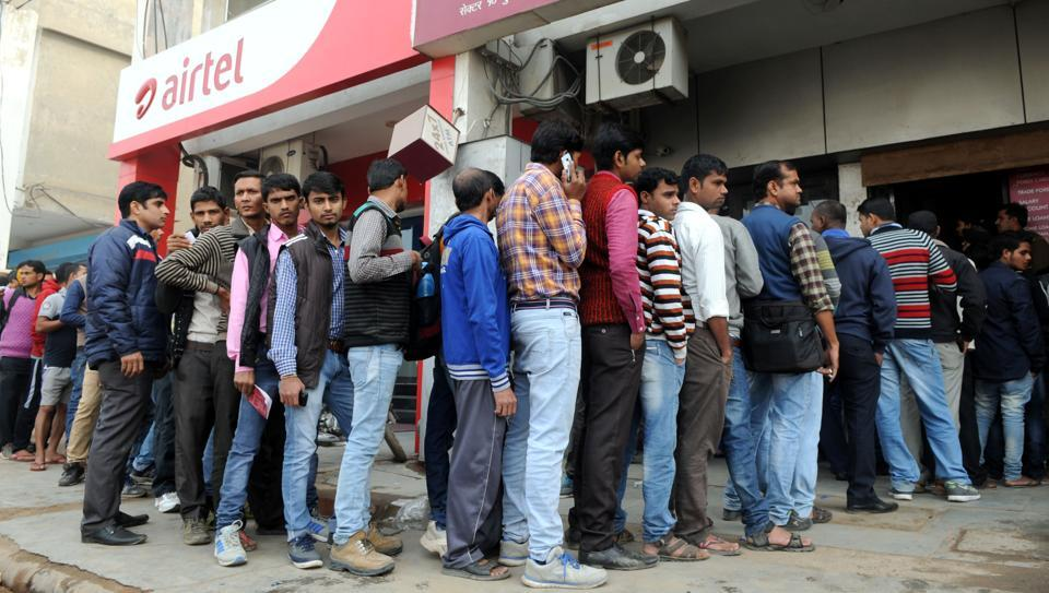 Banks reported cash shortage on Thursday.