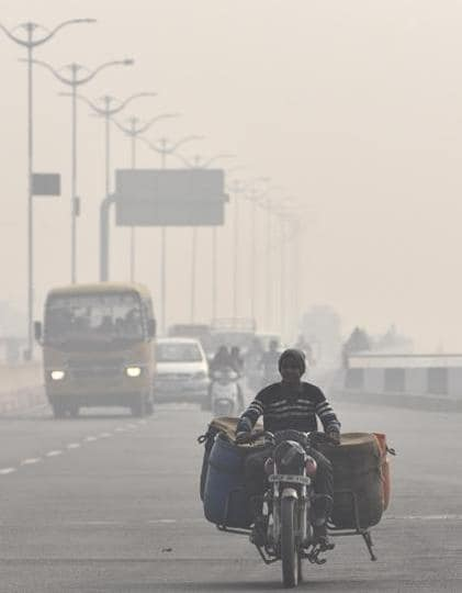 A foggy morning on the Elevated Road in Amritsar on Thursday. (Gurpreet Singh/HT)