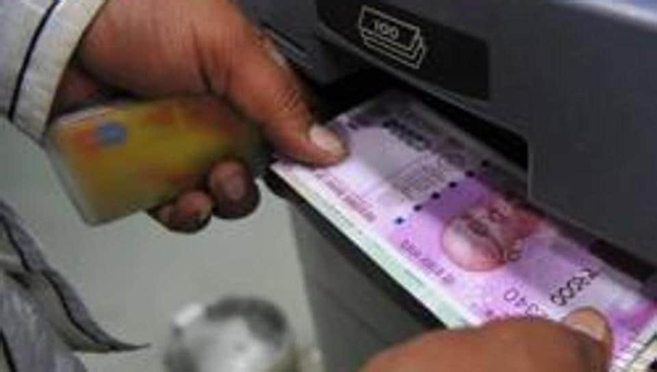 The trio installed equipments to print fake notes and banked on the assumption that people are still not familiar with the design of the new Rs 2000 notes, police said.
