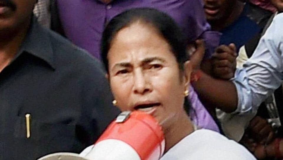Mamata stays put despite army withdrawal from toll plaza