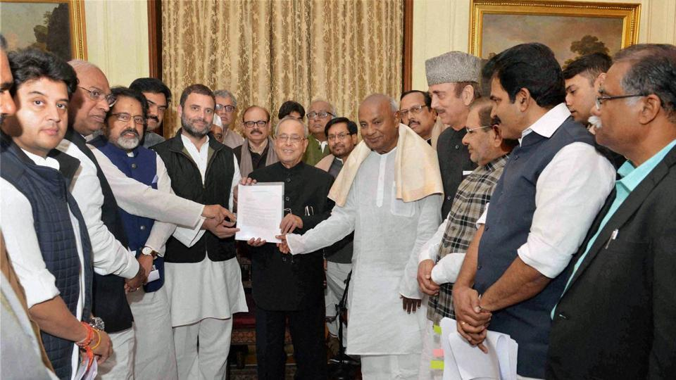 Leader of Opposition, Rajya Sabha Ghulam Nabi Azad, HD Devegowda, Congress Vice President Rahul Gandhi along with committee members of 17 political parties meeting with the President Pranab Mukherjee on Income Tax Amendment Bill at Rashtrapati Bhavan in New Delhi on Thursday.