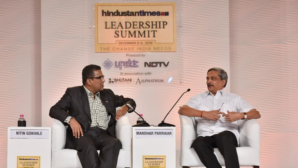 Union defence minister Manohar Parrikar in conversation with Nitin Gokhale, national security analyst,  at HTLS.  (Sanjeev Verma/ HT Photo )