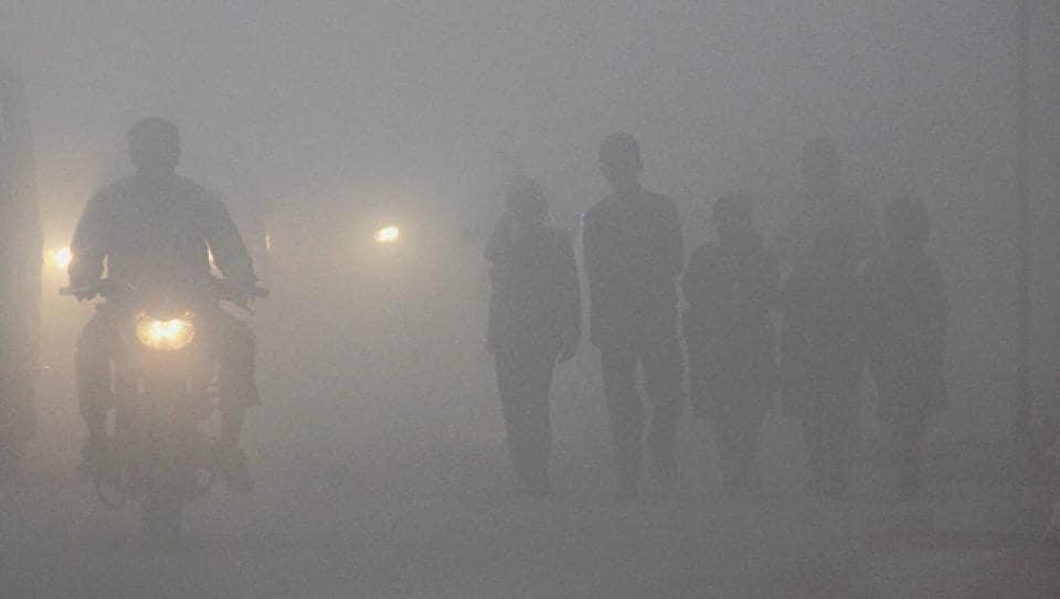 Dense fog in Delhi hits train services, flights