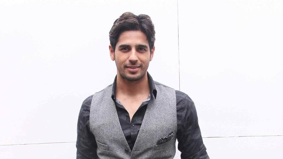 Actor  Sidharth Malhotra has no regrets about the films that didn't do well, says he'd rather focus on living in the moment.