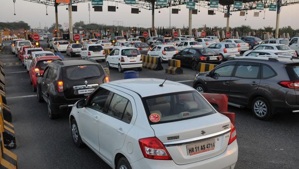 Demonetisation: Toll collection on national higways to resume from midnight