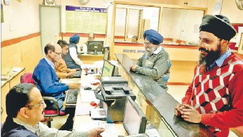 With no rush of customers, Amritsar banks witnessed a lean day on Friday.