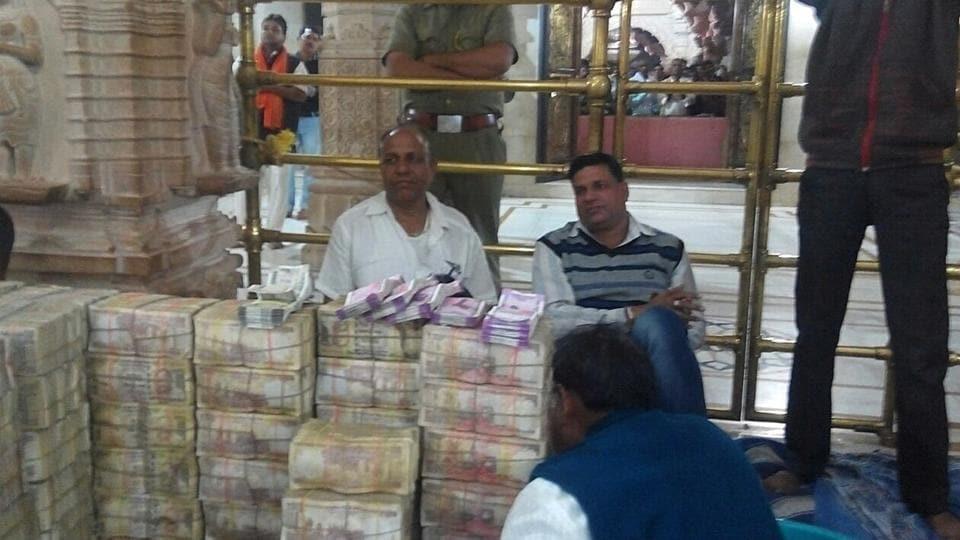 The Sanwaliya Ji temple in Chittorgarh gets Rs 8.8 lakh as offerings in new R 2,000 notes between Nov 8 and 28.