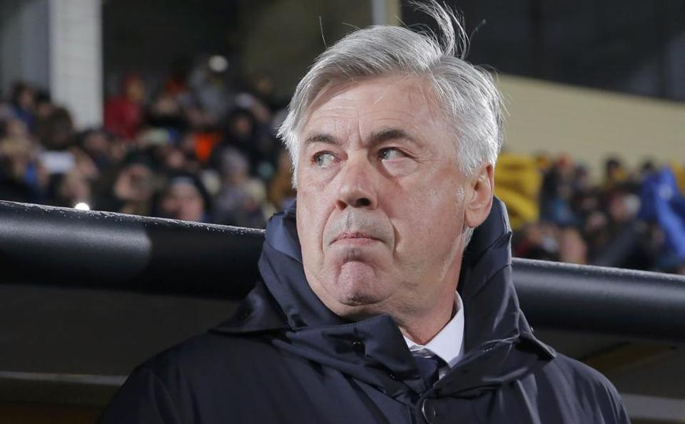 Carlo Ancelotti took a leaf out of predecessor Pep Guardiola's book as the Bavarian giants' hit form in a 3-1 Bundesliga win at Mainz.