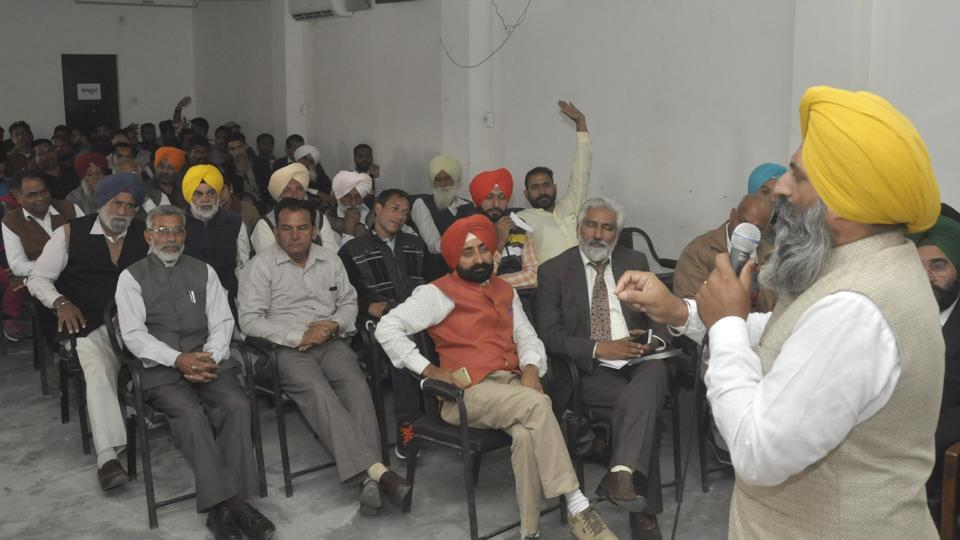 A meeting of disgruntled AAP volunteers in Jalandhar on Saturday, December 3.