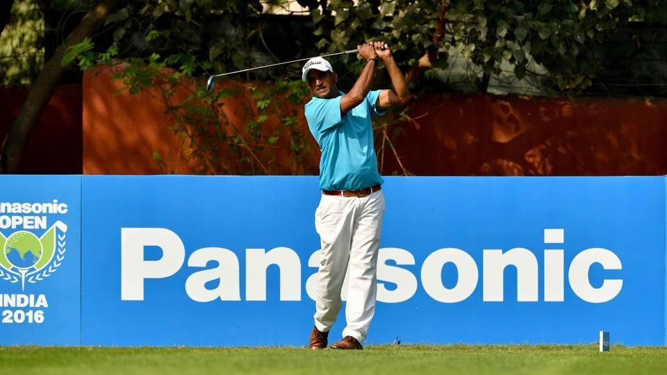 Mukesh Kumar dominated play with five birdies for an eight-under-par 136.
