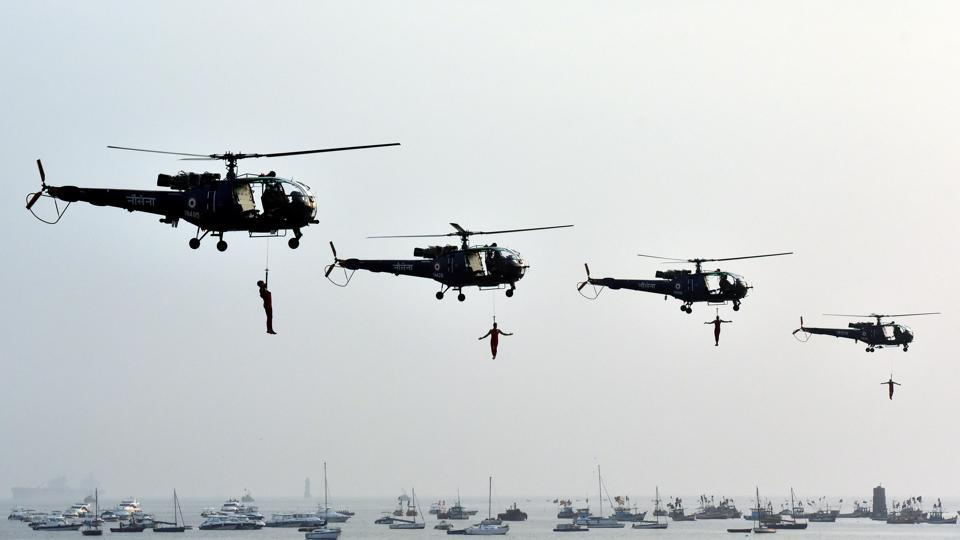 Marine commandos demonstrate rescue operation during Navy Day celebrated every year on December 4. (Pratham Gokhale/HT PHOTO)