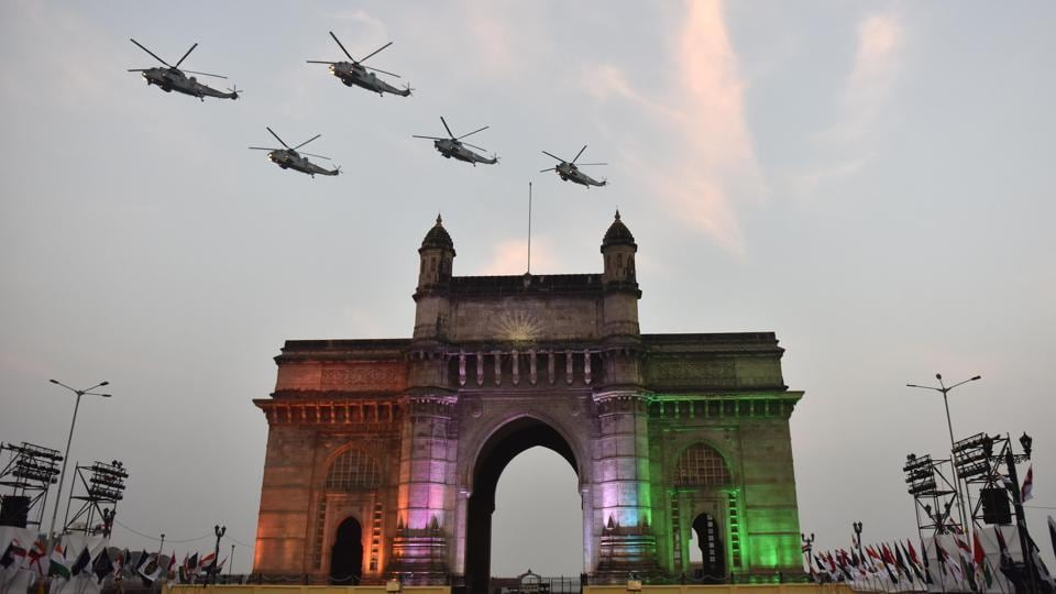 Demonstration of Marine Commandos during Navy Day celebration at Gateway of India. (Pratham Gokhale/HT PHOTO)