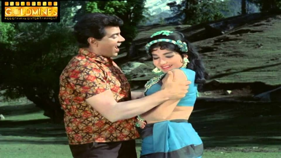 Dharmendra and Jaya in a still from Izzat.