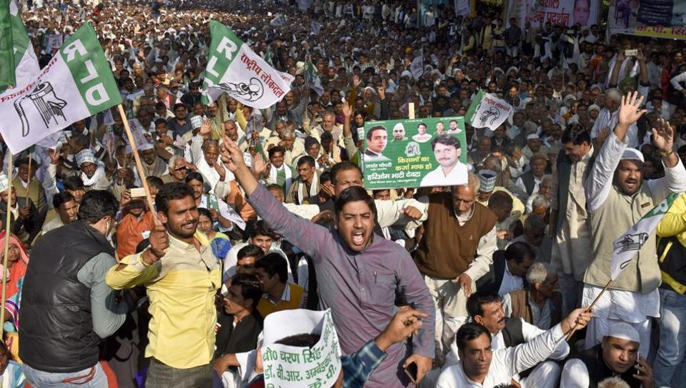 Farmers demand that the government should wave off their loans due to the troubles cause by demonetisation, at Jantar Mantar in New Delhi.