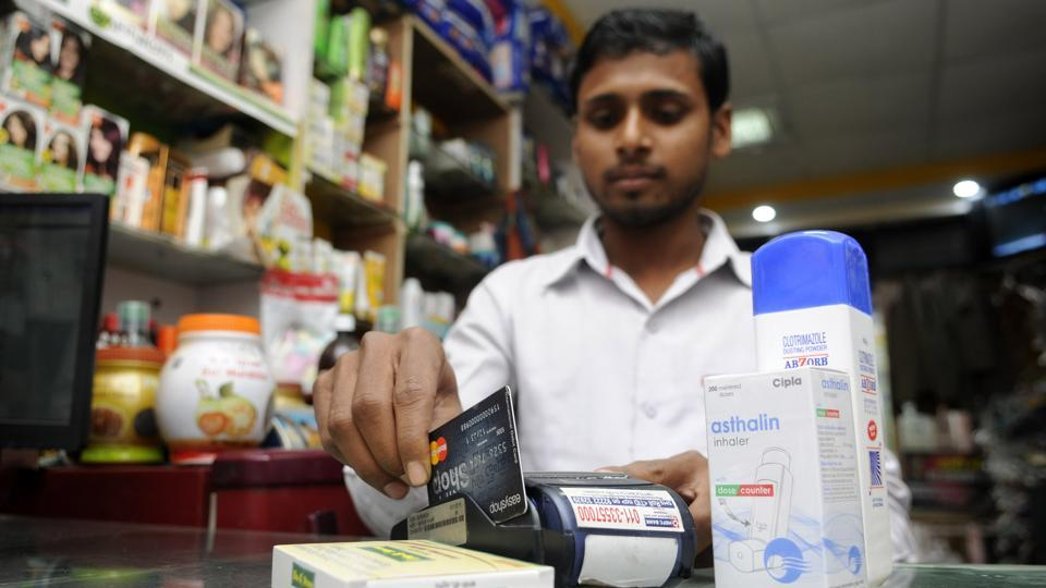 After a crisis of cash has hit the city residents, a large number of them have turned to credit/debit card payments at various outlets in the city, in Noida.