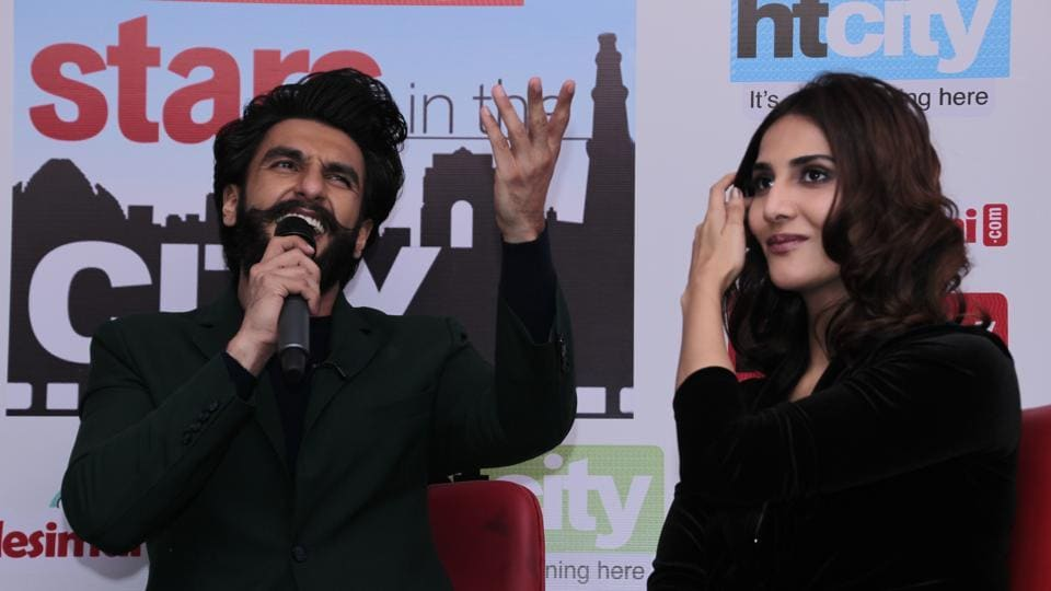 Ranveer  tries to sing a couple of songs to impress fans. (SHIVAM SAXENA /HT Photo)