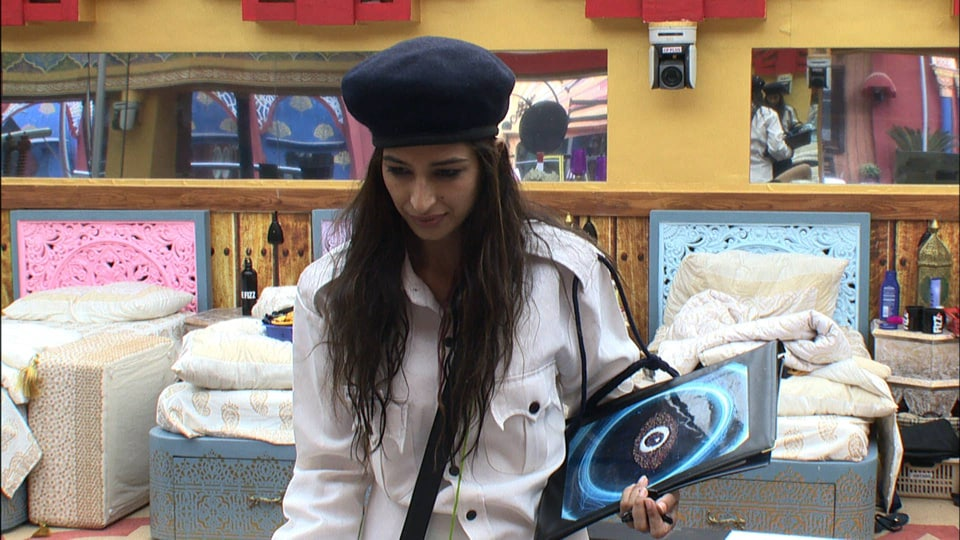 Priyanka Jagga is the sanchalika of the luxury budget task and she is taking full advantage of the new situation.