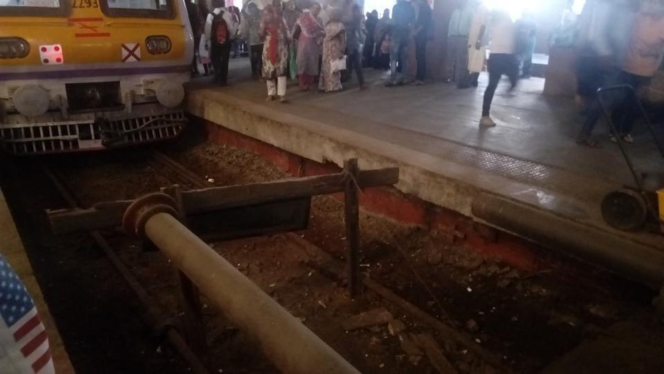 Mumbai,Churchgate station,Damaged buffer
