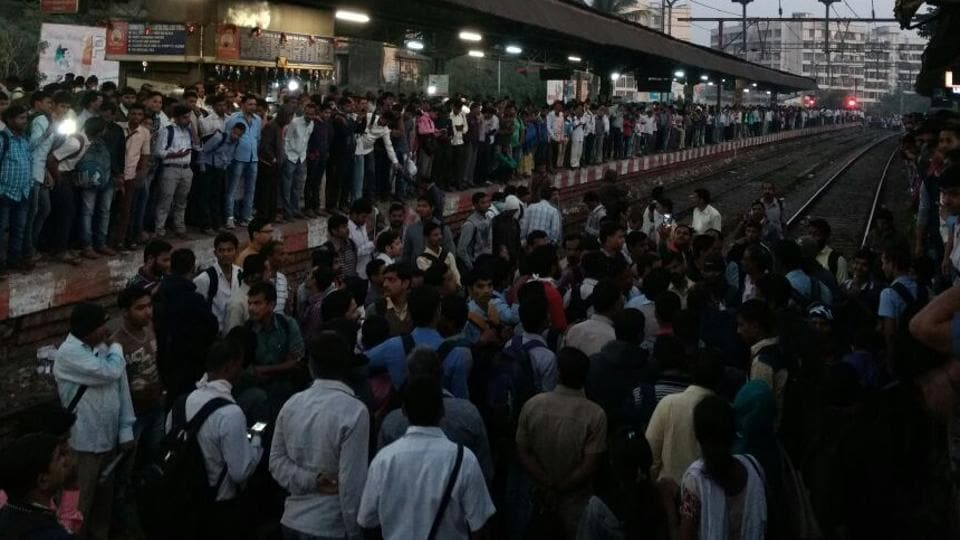 Hundreds of commuters jumped on the tracks and stopped both the south and the north bound trains, resulting in delay of several outstation, long-distance trains and local trains.