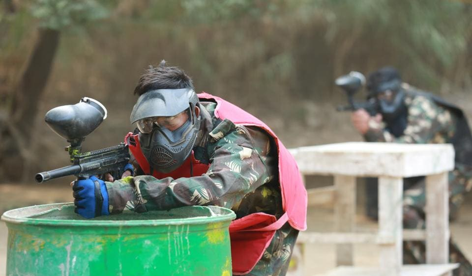 You don't really have to look for a paintball arena outside Delhi anymore. Designed with a complete battlefield and all the protective gear that you need, you can have paintball battles in Garden of Five Senses.