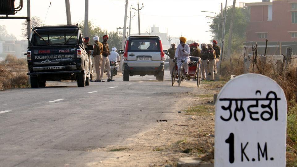 Police deployed on the Talwandi Sabo road near Bathinda on Tuesday after Sikh radicals started prayers ahead of their December 8 'Sarbat Khalsa'.