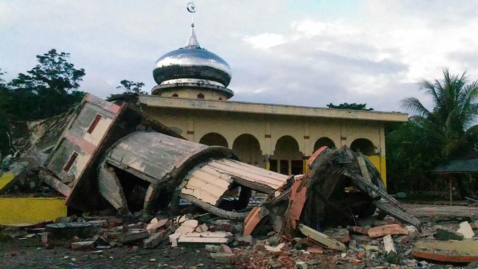 A collapsed mosque minaret is seen after a 6.5-magnitude earthquake struck the town of Pidie, Indonesia's Aceh province in northern Sumatra.