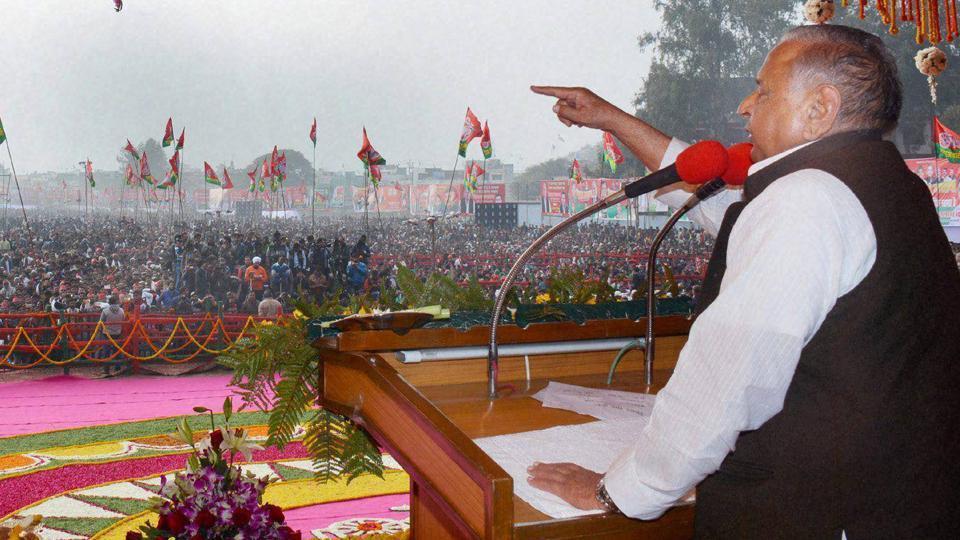 Samajwadi Party chief Mulayam Singh Yadav addresses a rally in Bareilly.