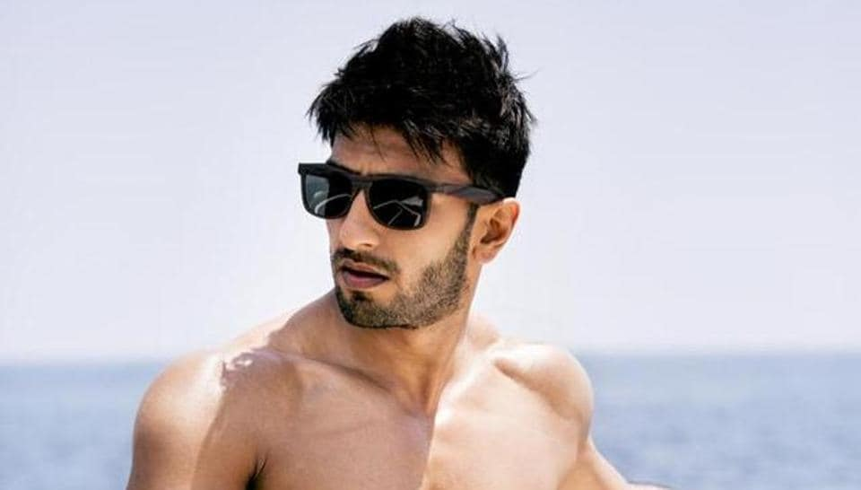 Befikre has presented Ranveer Singh as an able romantic hero.