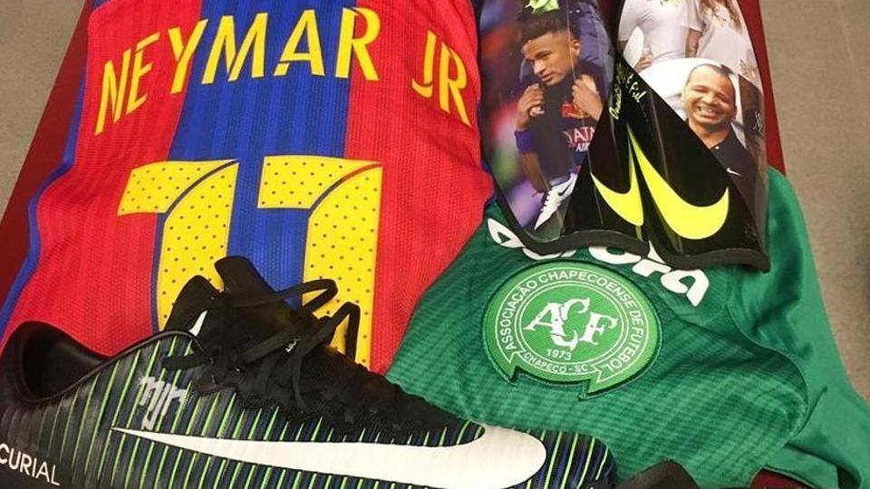 Barcelona star Neymar had last week honoured the 71 victims killed in a plane crash that wiped out most of the players and coaching staff of Brazilian side Chapecoense
