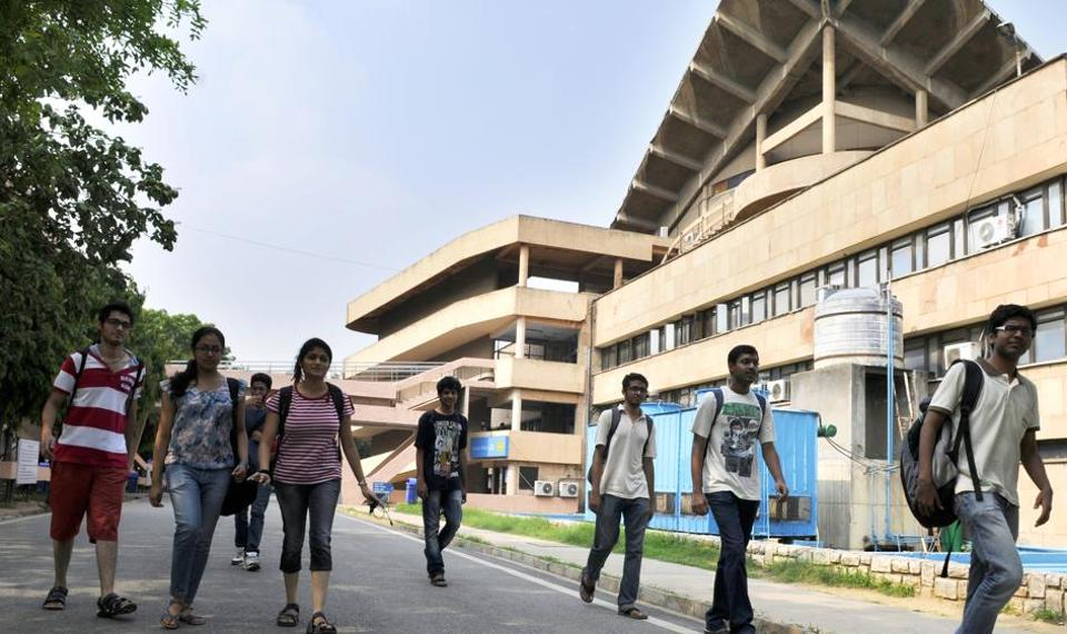 With the number of IITs going up to 23, there is a distinct gap between what the older and newer ones can offer in terms of teaching and lab facilities