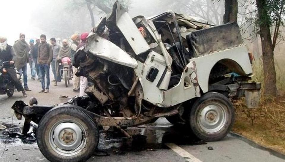 Road accidents due to fog,Punjab,Truck Jeep collision