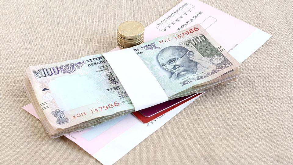 In February 2014, the government had informed Parliament that one billion plastic notes of Rs 10 denomination would be introduced in a field trial in five cities selected for their geographical and climatic diversity.