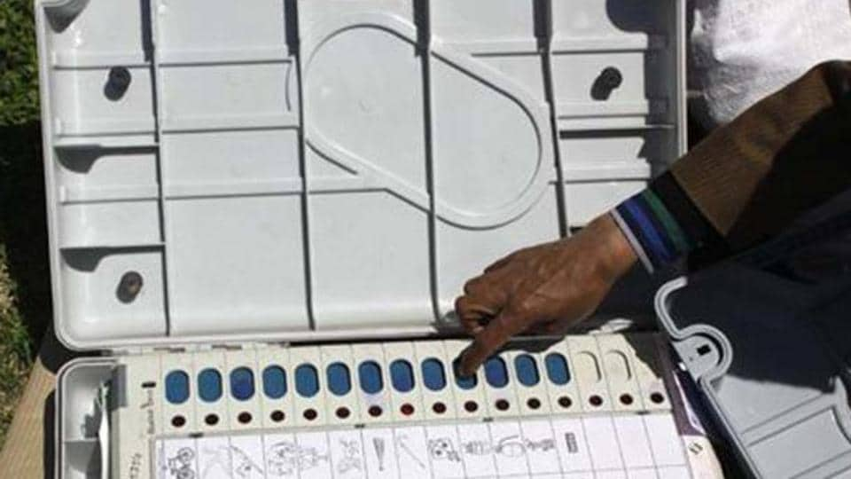 Election Commission has directed UP government to send a fresh schedule of board examinations by December 15.
