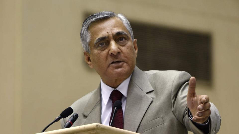 The Chief Justice of India TS Thakur expressed his displeasure by saying in his career as a judge for 23 years, he has never seen such unruly behaviour when junior lawyers are shouting and attempting to pin down senior advocates.