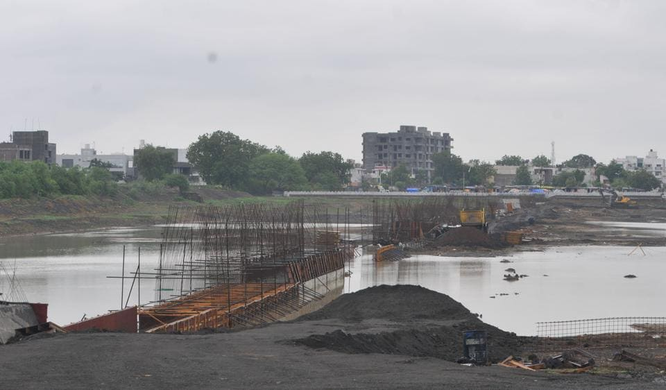 Earlier the construction of the court complex next to the Pipliyahana Lake, faced opposition from environmental activists and city residents, forcing the state government to rollback its decision.