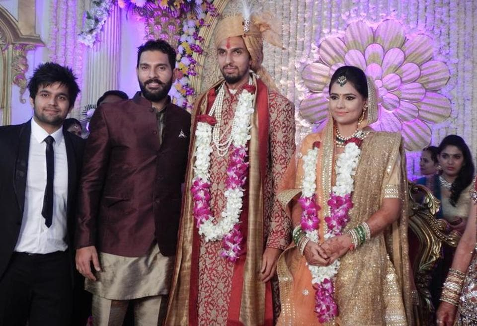Cricketing fraternity and Olympic medallists joined in the celebrations for Ishant Sharma-Pratima Singh's wedding. (Manoj verma/ht)