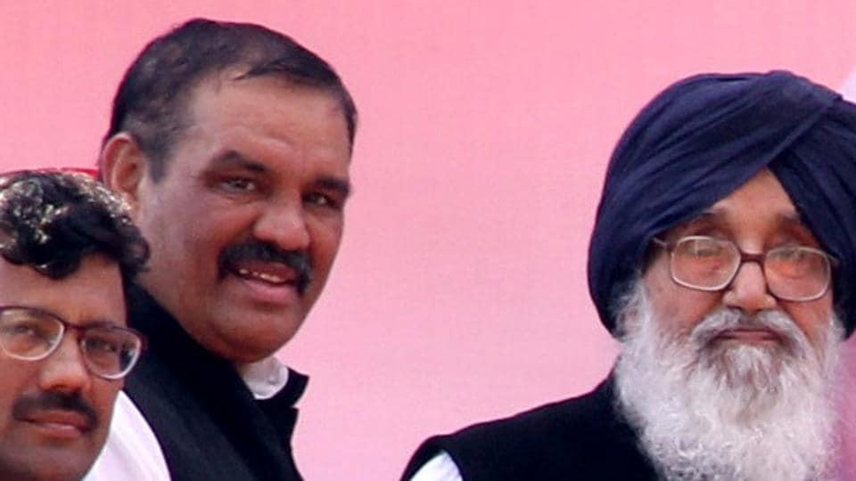State BJP chief Vijay Sampla  with Punjab chief minister Parkash SinghBadal.