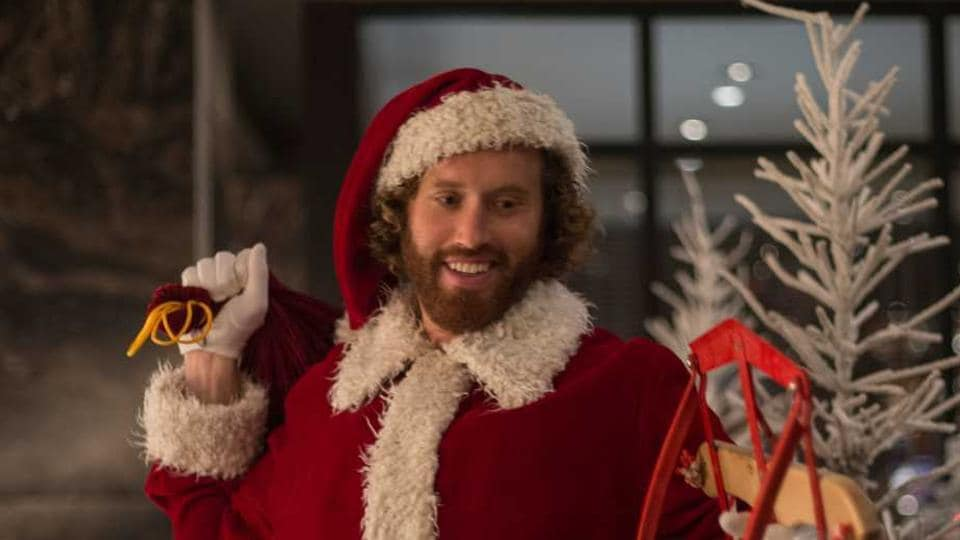 Office Christmas Party Uber Driver.Actor Tj Miller Arrested For Slapping Trump Supporting Uber