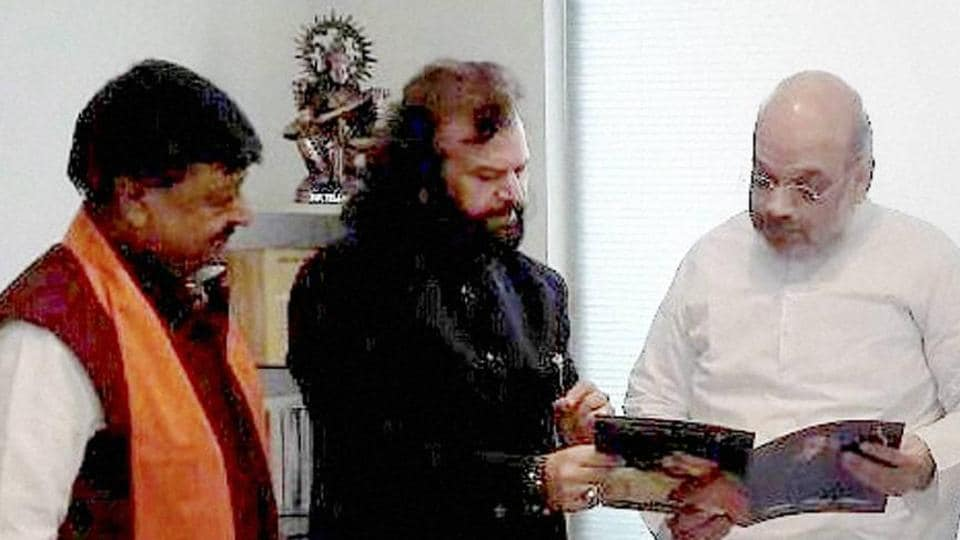 Hans Raj Hans joined the Bharatiya Janata Party in the presence of party President Amit Shah in New Delhi on Saturday.