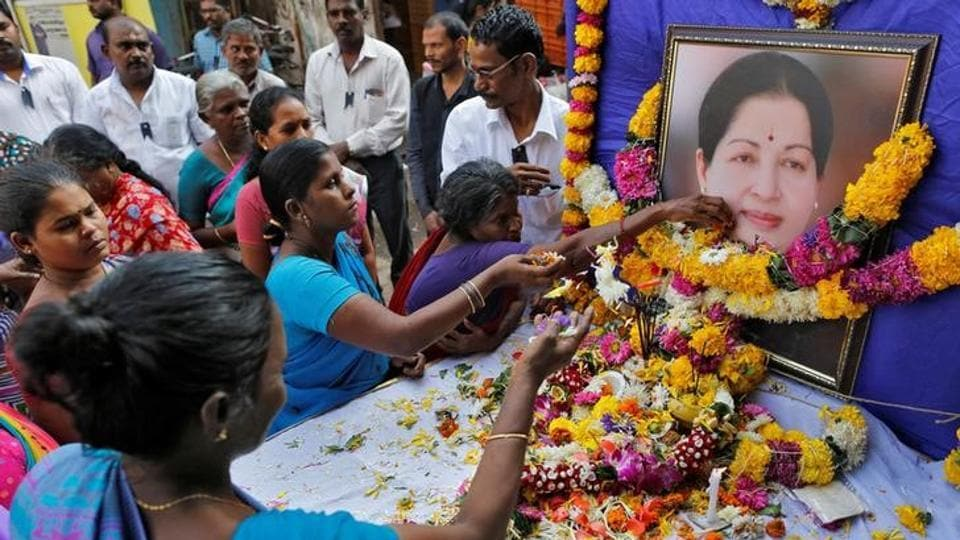 Supporters of Tamil Nadu Chief Minister Jayalalithaa Jayaraman attend a prayer ceremony at the AIADMK party office in Mumbai, India, December 6, 2016.