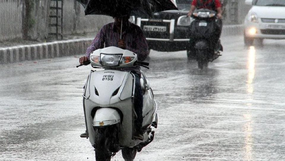Cyclonic storm Vardah is expected to cross the Bay of Bengal coast between Sriharikota and Krishnapatnam in Andhra Pradesh's Nellore district Monday.