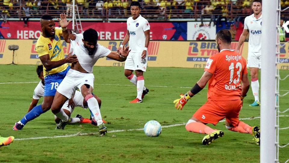 Kerala Blasters defeated Delhi Dynamos 1-0 in the first leg of the ISL semifinal on Sunday.