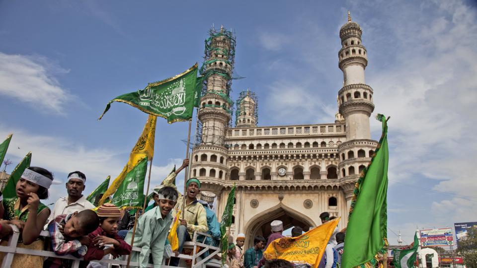 Indian Muslims take out a procession celebrating Eid-e-Milad, in Hyderabad, India, Monday, Dec. 12, 2016. Many people gathered along the streets to chant religious slogans during the annual Eid-e-Milad festival marking the anniversary of Prophet Muhammad's birth. (AP Photo)