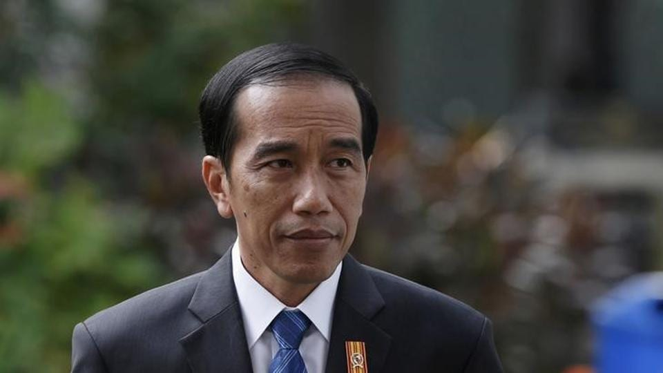 Indonesian President Joko Widodo is pictured at the presidential palace in Jakarta, Indonesia November 3, 2015.