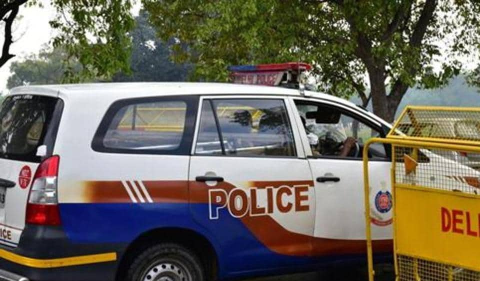 A constable was attacked with chilli powder and bricks when he tried to stop seven suspicious looking men in south west Delhi's Bindapur area on Monday.